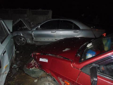 Через п'яне ДТП у Рівному шкоди зазнали 25 автівок і 3 людини