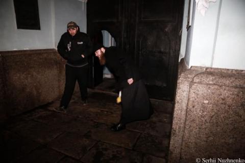 У Києво-Печерській лаврі протидіяли акції #принесиляльку