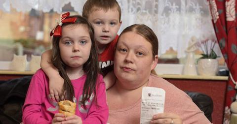 Британці виписали штраф за те, що її діти годували голубів