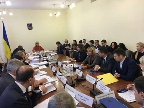 Комітет з питань соціальної політики, зайнятості та пенсійного забезпечення схвалив текст законопроекту про внесення змін до деяких законодавчих актів України щодо провадження господарської діяльності з посередництва у працевлаштуванні за кордоном