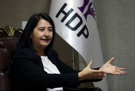 Туреччина видала ордер на арешт лідерки прокурдської партії за критику операції в Сирії