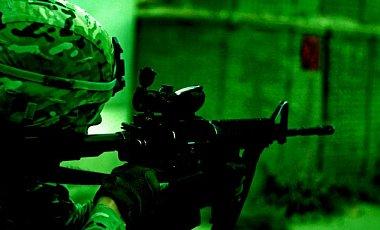 США передали українській армії тисячі приладів нічного бачення