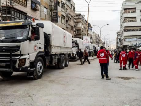 Конвой з гуманітарною допомогою досяг анклаву повстанців у сирійській Гуті