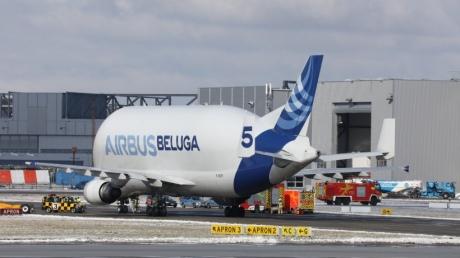В небі над Німеччиною загорівся один з найбільших транспортних літаків Airbus Beluga