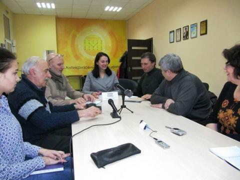 Голова Комітету у закордонних справах Ганна Гопко перебуває з робочою поїздкою в Луганській та Донецькій областях