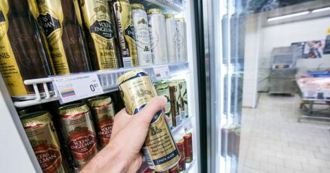 У Литві заборонили будь-який позитив про алкоголь