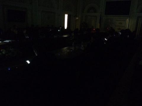 На засіданні фракції БПП зникло світло