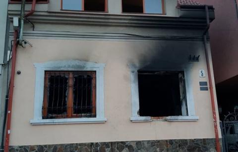 В Ужгороді вдруге за місяць підпалили офіс спілки угорців