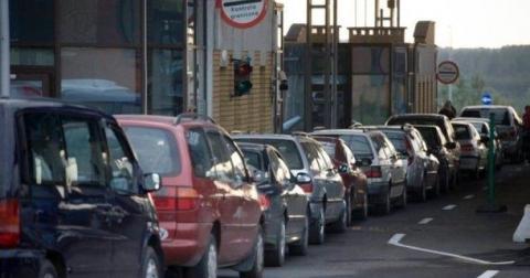 Від водіїв не вимагатимуть екологічного сертифікату на кордоні