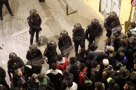 Сотні людей влаштували погроми на вулицях Мадрида через загибель сенегальця
