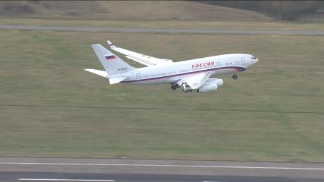 Вислані дипломати РФ залишили Британію на літаку, який фігурує у кокаїновій справі