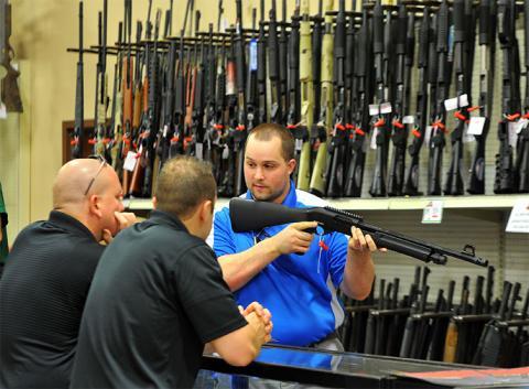 Учителі Флориди ходитимуть у школу озброєні