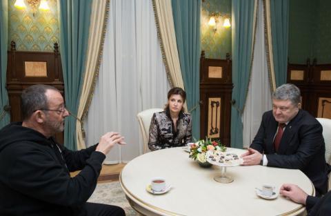 Саме в Україні сьогодні варто знімати кіно – Президент на зустрічі з французьким актором Жаном Рено
