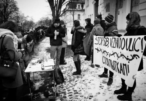 """В Україні та Європі протестували проти російських """"виборів"""" у Криму"""