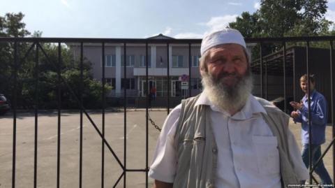 """Кримськотатарському активісту """"полян простесту"""" продовжили арешт"""