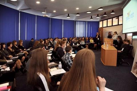 В Україні активно працює Національна дитяча рада, створена за ініціативи Уповноваженого Президента з прав дитини