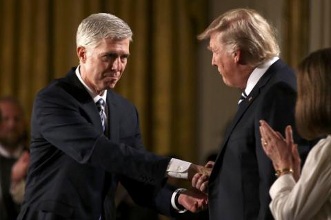 Навіщо Трамп рекордними темпами призначає федеральних суддів