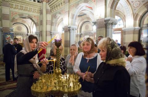 У Чернівцях Марина Порошенко привітала матерів загиблих воїнів із Днем Матері