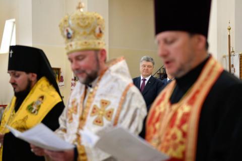 Президент помолився за майбутнє та єдність України у Соборі Вишгородської Богородиці
