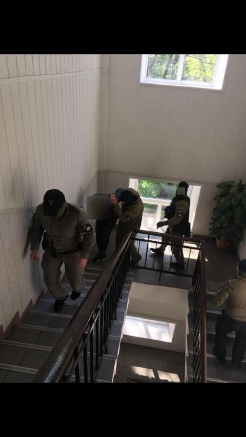 Силовики накрили банду викрадачів людей, до якої входили правоохоронці