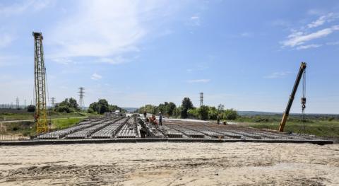 Президент проінспектував хід будівництва дороги державного значення «Бориспіль-Дніпро-Запоріжжя-Маріуполь»