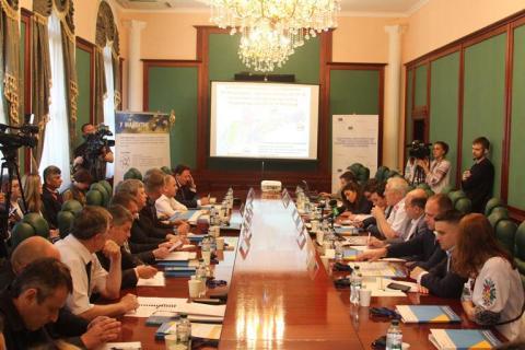 Заступник Міністра інфраструктури з питань європейської інтеграції Віктор Довгань презентував проект Національної транспортної стратегії 2030 в Чернівцях
