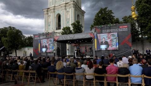 Президент: Біль кримських татар – це біль усіх українців