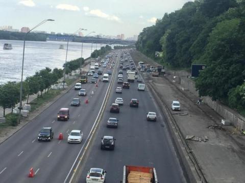 У Києві після ремонту відкрили Набережне шосе