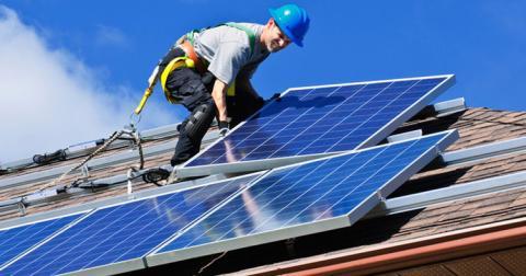 Сонячні батареї стануть обов'язковими для приватних будинків