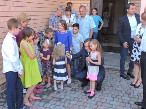 У центрі реформи Деінституалізації мати бути пріоритет дитини на виховання в сім'ї - Микола Кулеба