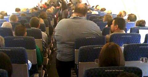 Гладким пасажирам дадуть право на друге крісло в літаку