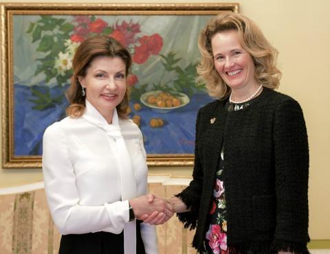 Марина Порошенко та Спадкоємна Принцеса Князівства Ліхтенштейн Софі обговорили питання допомоги українцям по обидві сторони лінії зіткнення