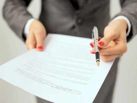 Якщо є розписка, договір позики укладати не обов'язково