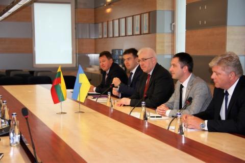 Наше спільне завдання - збільшення обсягів вантажних перевезень між портами Чорного та Балтійського морів, - Юрій Лавренюк