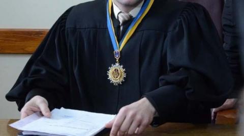 Дзвінки з ГПУ спонукали суддю до самовідводу