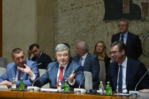 Україна і Сербія правильне місце для інвестування – Президент на діловому форумі у Белграді