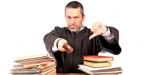 У задоволенні клопотання адвоката прокуратура побачила в судді ознаки злочину
