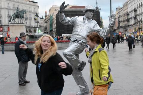 Центр Мадрида очистять від «живих статуй» — заради безпеки