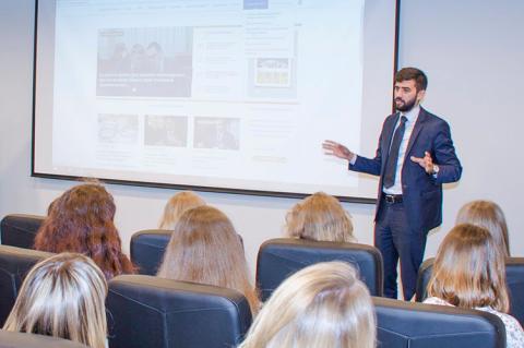 За що адвокатів карають у ЄС і не карають в Україні