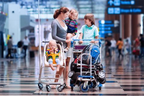 Виїхати з дитиною за кордон на відпочинок стане легше