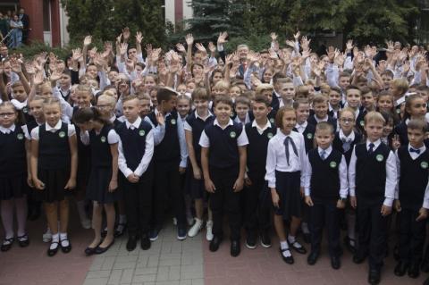 Реформа освіти є пріоритетною, бо є інвестицією в майбутнє України – Президент привітав українців з новим навчальним роком