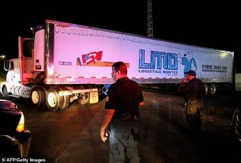 У Мексиці в занедбаній фурі виявили 157 трупів