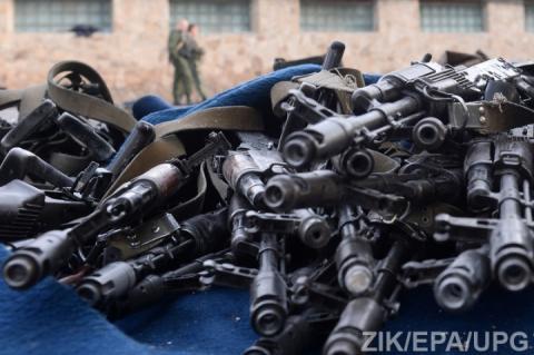 З військової частини на Житомирщині викрали автомати