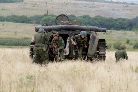 На Луганському напрямку окупанти били з гранатометів, мінометів та БМП, – Міноборони