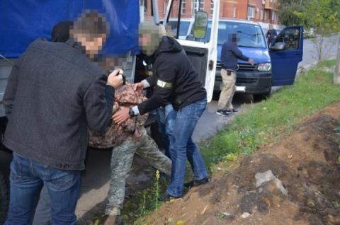 СБУ попередила викрадення двох двигунів до вертольотів МІ-8 з військової частини на Київщині