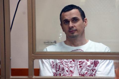 Офіс українського омбудсмена перевіряє інформацію, що Сенцов не припиняв голодування