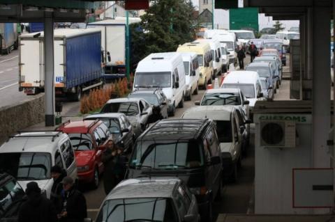 Простій у чергах на українсько-польському кордоні триває до трьох діб, – ДФС