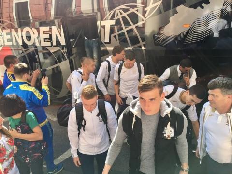 Збірна України з футболу прибула до Генуї на гру проти Італії