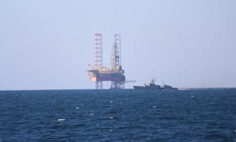 Прикордонники України і РФ посварилися в морі через віджату бурустановку