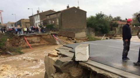 Сильні зливи спричинили повінь на півдні Франції, сім людей загинули